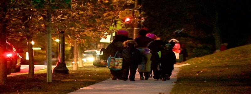 halloween-trick-or-treat-safety-careful-gta-whitby